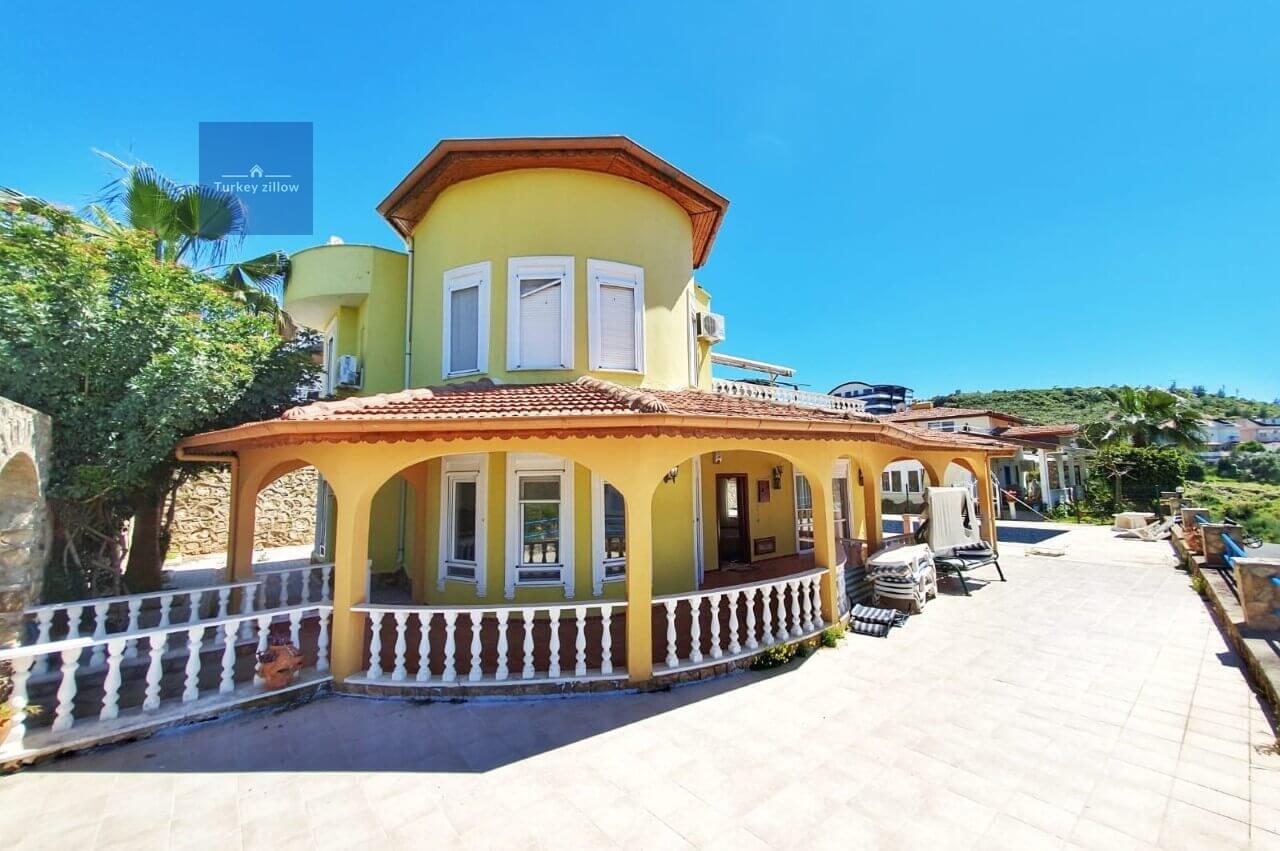 ویلا برای فروش در آلانیا کارجیکک